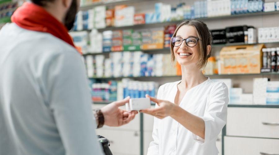 Características del curso de auxiliar de Farmacia Sena